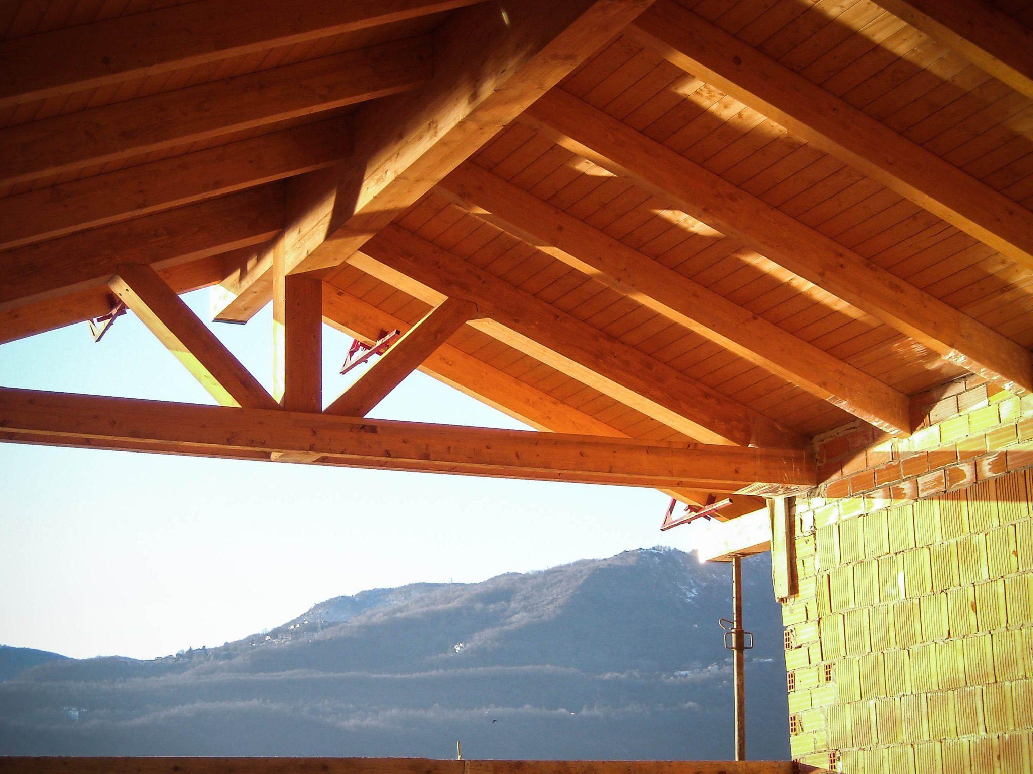 Tetto in legno lamellare gandelli group for Tetti in legno particolari costruttivi