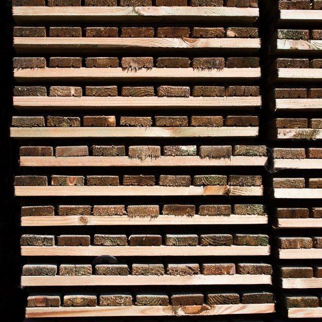 Pavimentazione in legno per esterni gandelli group - Doghe in legno per esterni ...