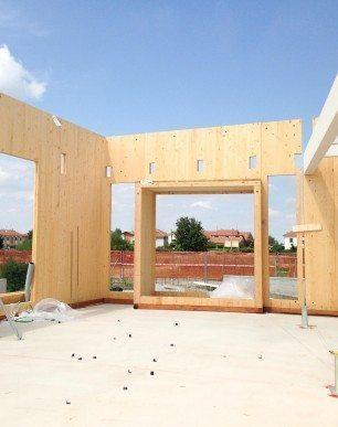 cantiere-edificio-xlam-carignano-gandelli-edilizia-in-legno